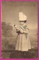BEUZEVILLE - La Petite Mère Avec Poupée ( Costumes Authentiques Normandie )  - L68 - France