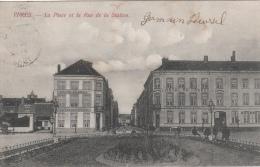 Cpa/pk 1913 Ieper Ypres La Place Et La Rue De La Station Hotel Des Brasseurs Hotel De France - Ieper