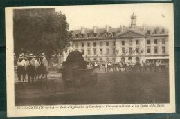 N°131 - Saumur  - école Application De Cavalerie - Carroussel Militaire - Les Spahis Et Les Tanks     Lfa160 - Saumur