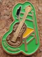 LOS SOCIEROS PENA FLAMENCA   O MES GINEBRA - SUISA - GENEVE - GUITARE - CHAISE   -    (BLEU) - Associations