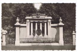 FEURS  MONUMENT AUX MORTS - Feurs