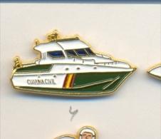 13-gc4. Pin Barco Patrullera Guardia Civil - Policia