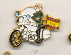 13-gc10. Pin Motorista Guardia Civil De Tráfico - Policia