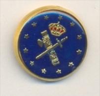13-gc41. Pin  Emblema Guardia Civil Y Estrellas CEE - Policia