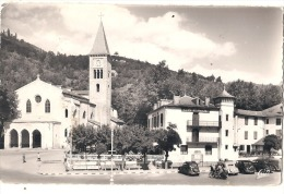 Ax Les Thermes église Et Hotel De La Paix Timbrée TTB  Vieilles Voitures - Ax Les Thermes