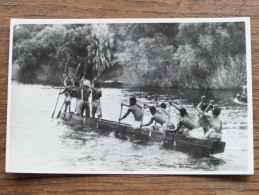 A Native Canoe On The ZAMBEZI River Above The Victoria Falls -  Anno 19?? ( Zie Foto Voor Details ) !! - Cartes Postales