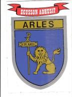 CPM écusson  Adhesif Arles Non Circulée - Provence-Alpes-Côte D'Azur