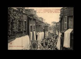 50 - SAINT-PIERRE-EGLISE - La Rue Aux Juifs - Un Jour De Procession - 1575 - Judaica - Saint Pierre Eglise
