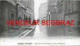 PARIS  INONDE    RUE DES GRANDS AUGUSTINS  14 Cm / 8 CM - Autres