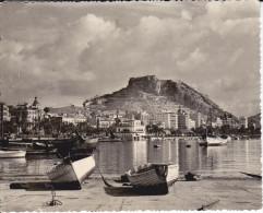 CPSM ALICANTE LA VILLE VUE DU PORT  BARQUE PECHE 1960 TIMBRE ENLEVE - Alicante