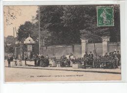 RAMBOUILLET : Un Coin Du Marché Au Muguet - Très Bon état - Rambouillet