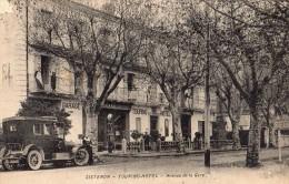 SISTERON TOURNING-HOTEL ABENUE DE LA GAR AUTOMOBILE DE L'HOTEL CHAUFFEUR POMPE A ESSENCE - Sisteron
