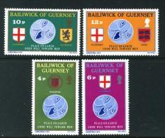 GUERNSEY - 1975 CHRISTMAS SET (4V) FINE MNH ** - Guernsey