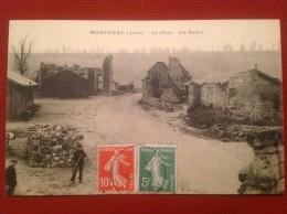 02 Aisne MARGIVAL La Place Les Ruines - France