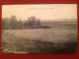 02 Aisne CROUY Le Cimetière Militaire - France