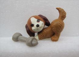 Figurine KENNER : Petit Chien Marron Avec Son Os Aimanté - Chiens