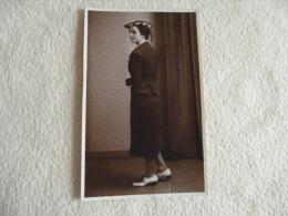 BELLE CARTE PHOTO....FEMME ELEGANTE...PHOTO BROUCHICAN..AIX EN PROVENCE. - Women