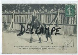 CPA -Ecole Nationale De Dressage, Levallois Perret- La Capture De L'Apache Par Petit Mousse- - Levallois Perret