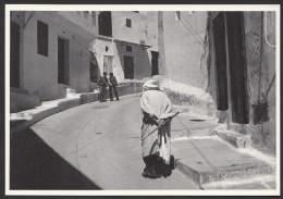 CPM TANGER - MAROC - Yvon Kervinio L'Aventure Carto - Dans La Casbah - 1978 - Tanger
