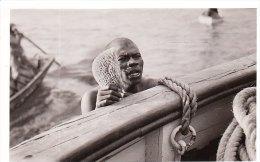 PHOTO D UN AFRICAIN PECHEUR D EPONGE OU CORAIL ? - Photos
