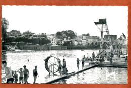 94    CPSM Petit Format De JOINVILLE LE PONT    Les Jeux à La Baignade     Joli Plan Animé       Trés Bon état - Joinville Le Pont