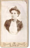 CDV  FEMME EN BUSTE -CHIGNON- ROBE BRODEE     COL JABOT    PH.  G. AICARD  MARSEILLE - Photos