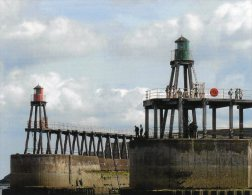 Postcard - Whitby Outer Harbour Lighthouses, Yorkshire. SMH37 - Lighthouses