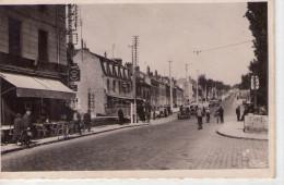 Essonnes.. Très Animée.. Boulevard Jean-Jaurès.. Commerces.. Café Tabac.. Hôtel.. Voitures - Essonnes