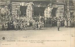 67 STRASBOURG - Le Général Gouraud, Pendant Le Défilé Des éléments De La IVè Armée - Place De La République - Strasbourg