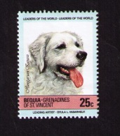 Timbre Neuf Bequia Grenadines De Saint-Vincent, Chiens, Hungarian Kuvasz, 25 C, 1985 - Chiens