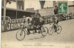 CPA (courses Cyclistes( B15)      Tom LINTON A L Entrainement Derriere Sa Triplette - Cyclisme