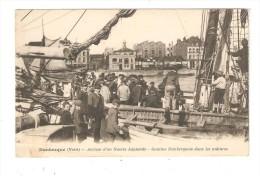 CPA  :  59 - Dunkerque : Arrivée D'un Navire Islandais Gamins Dans Mâtures - Animation - Cachet Train Sanitaire - Dunkerque