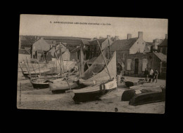 14 - ARROMANCHES - La Cale - Arromanches