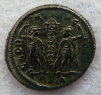 #62 - Constantinus I - GLORIA EXERCITVS - XF! - 6. La Tétrarchie (284 à 307)