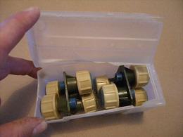 Boîte De 8 Bouchons à Retard Pour Grenades Lacry (obsolètes) Des Années 78 - 79 - Equipment