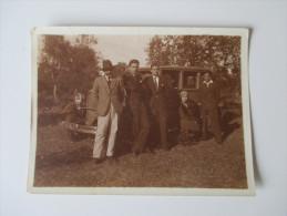 Foto Mit Familie Und Altem Auto / Oldtimer. Frankreich?? 1940er Jahre?? - Automobiles