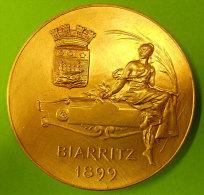 1899 Biarritz Magnifique Médaille Bronze Doré Par Bertrand Femme Casque à Cimier Diamètre 5 Cms 61 Grammes - Francia