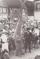 MEZILLES  1980 - La Chasse Au Bonhomme De Paille  -  La Capture - Carte Grand Format Animée - Autres Communes
