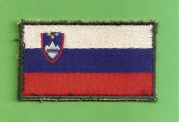 Flag Of The Slovenian Army - Blazoenen (textiel)