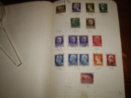 ITALIA  Dans Un Cahier 300 Timbres   + Ou - - Collections (en Albums)