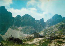 Mountain Hiking Hut, Vysoke Tatry, Slovakia Postcard Used Posted To UK 1970s Stamp - Slovakia