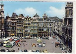 BRUXELLES - BRUSSEL - Autobus, Omnibus, Un Coin De La Grand Place, Een Zicht Van Den Grote Markt, - Marktpleinen, Pleinen