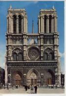 PARIS - Notre-Dame De Paris Et Le Parvis - Notre Dame De Paris