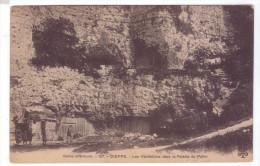 76 DIEPPE Habitations Dans La Falaise Du Pollet Troglodytes - Dieppe