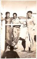 PATAGONIA ARGENTINA: FOTO AMATEUR GRUPO DE MECÁNICOS. CIRCULADA 1942. GECKO. - Beroepen