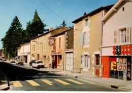 86--SAINT-JULIEN-L'ARS---La Rue Principale-( Voitures Citroën AMI 8 + DS )---voir 2 Scans - Saint Julien L'Ars
