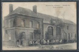 - CPA 80 - Bourseville, Grande Rue - école Enfantine - France