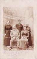 HOMECOURT (MEURTHE ET MOSELLE) CARTE PHOTO D'UNE FAMILLE 1916 - Homecourt