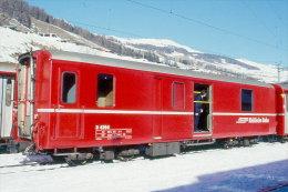 002-894) Dia (color Slide) Schweiz RhB - D 4204 - Gepäckwagen - Trains