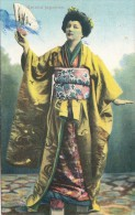 B81633 Geisha Types Costume   Japan  Front/back Image - Autres